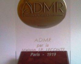 Médaille sur socle en bois – Réf. 85-153
